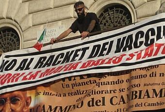 manifestazione no mask roma
