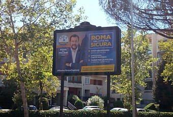 cartelloni salvini roma